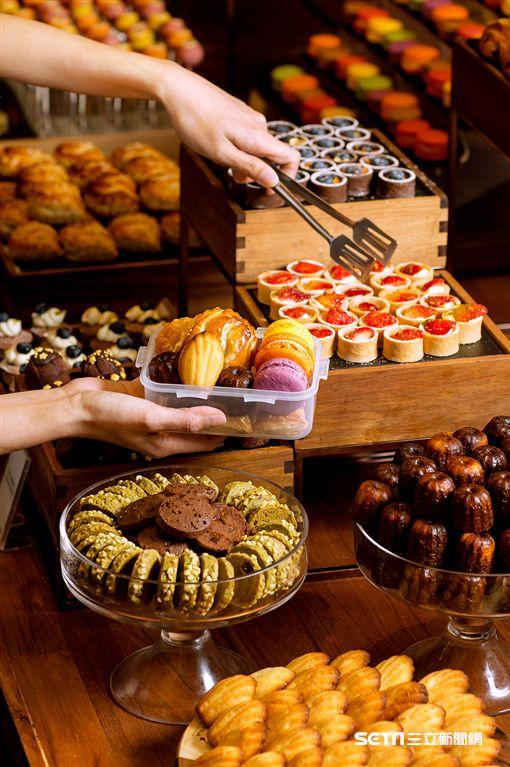 彩匯自助餐,樂扣樂扣保鮮盒,吃到飽。(圖/美福大飯店提供)