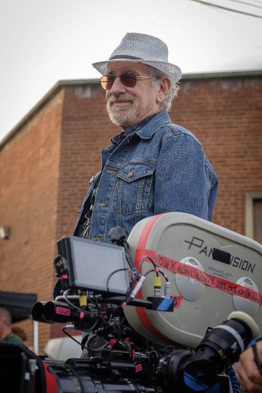 史蒂芬史匹柏新作 花3年籌一級玩家科幻動作電影「一級玩家」改編自暢銷同名小說,花了導演史蒂芬史匹柏(Steven Spielberg)3年時間籌備與拍攝,他說,「就我所知,每一個與電影產業相關的人看完這本書,沒有人不想把它拍成電影」。(華納兄弟提供)中央社記者江佩凌傳真 107年4月2日