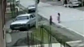 5歲男童偷車把妹 女友落跑還得挨揍 SOT 偷車,車臣,戰鬥民族,兒童開車,飛車追逐,把妹,俄羅斯