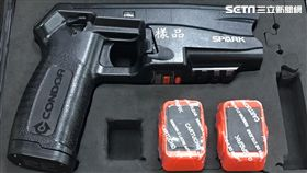 市議員王世堅開記者會講捷運警察電擊槍採購 盧冠妃攝