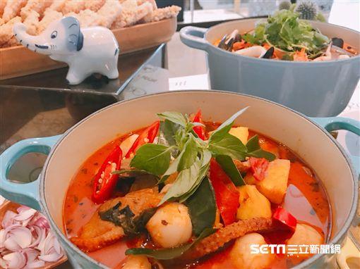 泰國藍象餐廳料理。(圖/記者簡佑庭攝)