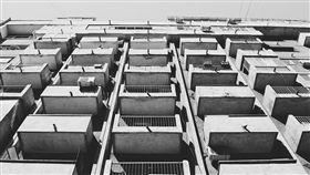 陽台(圖/翻攝自Pixabay)