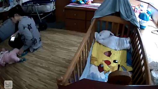 彰化,保母,虐嬰,虐待,拍打,滑手機,嬰兒(圖/翻攝自臉書)
