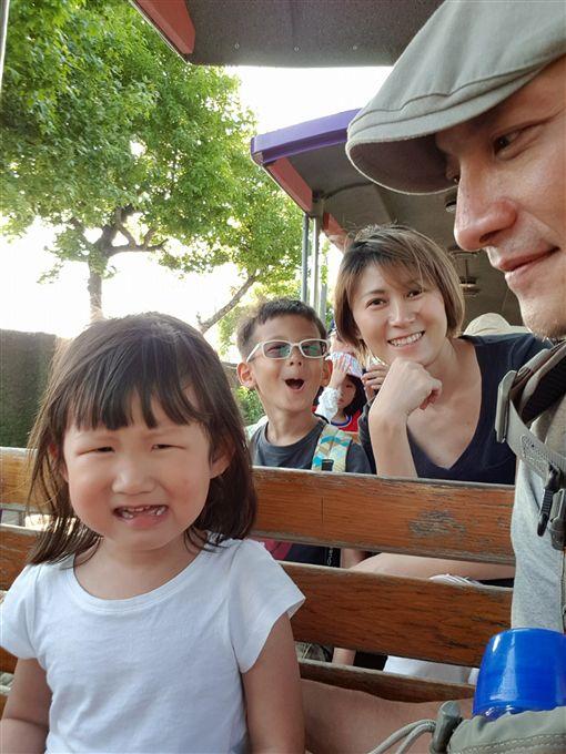 高山峰,恩恩,小花,Sara/翻攝自高山峰臉書
