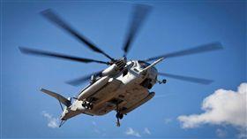 美國海軍陸戰隊一架直升機CH-53E Super Stallion墜毀,機上4人全數罹難(圖/翻攝自推特)