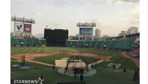 ▲KT巫師水原球場。(圖/截自韓國媒體)