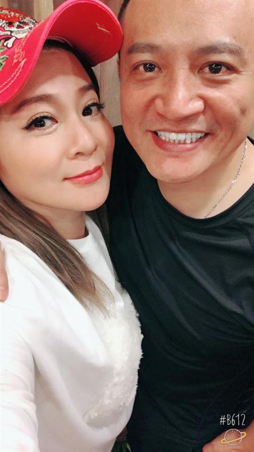 藝人王彩樺驚傳11年婚姻觸礁,曾擔任牛郎的老工黃品文,遭媒體爆料偷吃自家公司女員工「Y女」 圖/翻攝自臉書