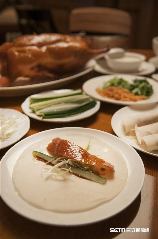 台北西華飯店獨家!週五夜「烤鴨無限吃」。(圖/台北西華飯店提供)