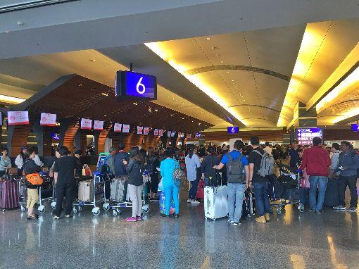 全球機場運量排名公布 桃機創佳績(1)桃園國際機場公司10日發布新聞稿表示,國際機場協會9日公布2017年全球機場客貨運量排名,桃園機場去年國際旅客運量全球排名第10名、貨運量全球第9名。中央社記者吳睿騏桃園機場攝 107年4月10日