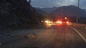 南美國家智利中部海岸地區今晨發生規模6.2強震,但根據官員提出的初步報告,沒有傳出傷亡,也沒有發布海嘯警報。(圖/翻攝自推特《NoticiasChelmevision》)