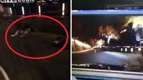 大陸上個月發生一起車禍事件,一名駕駛晚上開車時,沒有注意到前方有對情侶在街道中央上演活春宮,直接就朝他們撞上,最後該對情侶疑不幸身亡。(圖/翻攝自Liveleak)