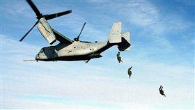 美軍傘兵_維基百科 https://zh.wikipedia.org/wiki/%E5%80%BE%E8%BD%AC%E6%97%8B%E7%BF%BC%E6%9C%BA#/media/File:Aircraft.osprey.678pix.jpg