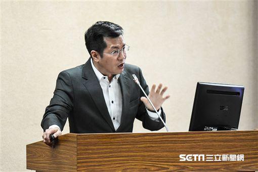 民進黨立委羅致政質詢。 圖/記者林敬旻攝