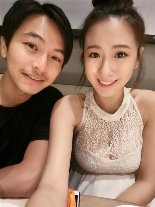 ▲方志友與楊銘威結婚2年多,育有一對兒女。(圖/翻攝自臉書)