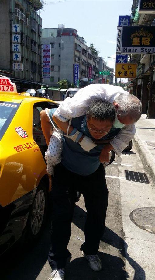 小黃,計程車,司機,愛心,財信傳媒,謝金河(圖/翻攝謝金河臉書)