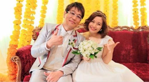 ▲PIKO的太太安枝瞳是日本的人氣寫真女星。(圖/翻攝自部落格)