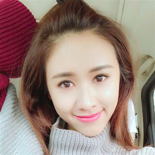 ▲吳姍儒出色的外貌,來自一家優良的基因。(圖翻攝自臉書)