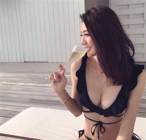 ▲身材火辣的吳亞馨,常大方秀出火辣照片。(圖/翻攝自臉書)