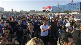 敘國民眾聚集首都的歐瑪雅德廣場,力挺總統阿塞德。(圖/翻攝法新社)