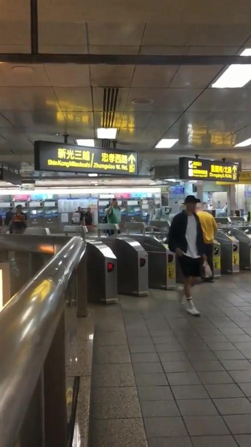台北市,台北車站,捷運站,爆料公社,教會,亞斯伯格,