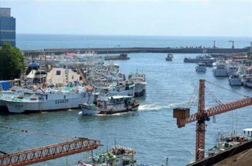 我漁船「大鮪13號」 遭印尼軍方強行登檢、扣留圖/翻攝自東港區漁會