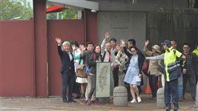 NGOs環境會議代表拜會蔡總統(1)全國NGOs環境會議合辦團體代表們15日到總統官邸拜會總統蔡英文。中央社記者孫仲達攝 107年4月15日