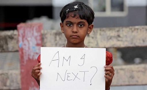 印度性侵案件頻傳,數個城市發起示威活動,民眾上街抗議政府保障婦女不力(圖/翻攝自推特)