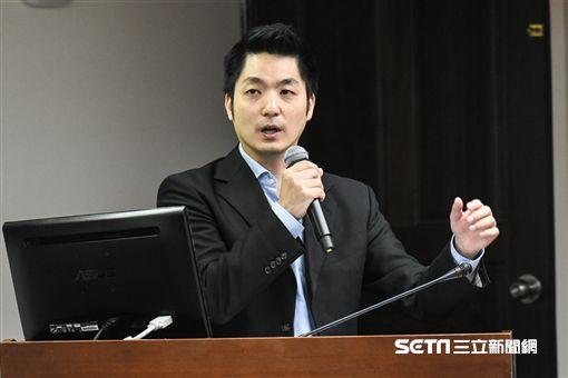 國民黨立委蔣萬安質詢。 圖/記者林敬旻攝