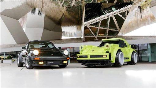 LEGO Porsche 911 Turbo 3.0。(圖/翻攝Porsche Museum網站)