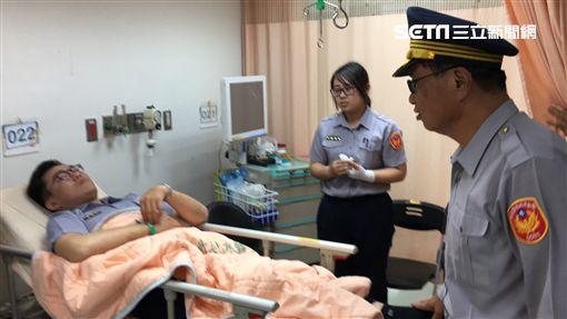 台南西門路警匪槍擊 嫌犯6槍倒地 員警送醫圖翻攝畫面