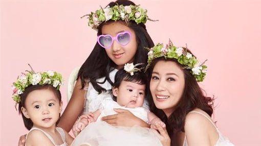 ▲賈靜雯擁有令稱羡的美滿家庭。(圖/翻攝自臉書)