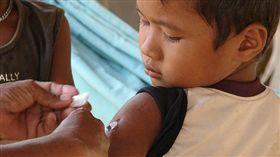 -麻疹疫苗-打針-▲圖/攝影者CDC Global, flickr CC License(https://www.flickr.com/photos/cdcglobal/9665361048/)