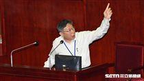 台北市長柯文哲出席市議會施政報告總質詢。 圖/記者林敬旻攝