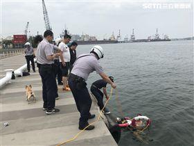 高雄,光榮碼頭,自殺,警衛,脫鞋,消防隊員