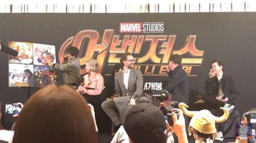 奇異博士赴韓宣傳復仇3被網友惹哭。(圖/翻攝自카카오페이지 - 영화 OPEN臉書)