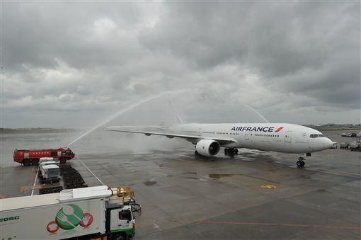 法國航空,法航,首航。(圖/翻攝自桃園國際機場FB)