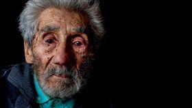 智利南部城鎮馬里基納(San Jose de Mariquina)121歲人瑞哈拉米羅(Celino Villanueva Jaramillo)/圖/翻攝自推特