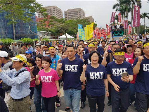 藍委聲援警消不服從遊行 圖/翻攝自臉書