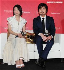 竹內結子、小澤征悅出席「神探夏洛克小姐」記者會。(記者邱榮吉/攝影)
