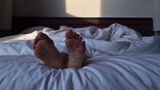 床、睡覺、房事示意圖/pixabay