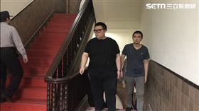 W飯店命案,被告朱家龍(左),右為同案被告洪聖晏。潘千詩攝影