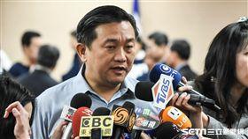 民進黨立委王定宇譴責反年改八百壯士暴力行為。 (圖/記者林敬旻攝)