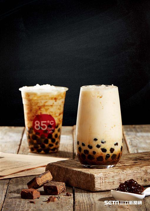 黑糖珍珠鮮奶。(圖/85度C提供)