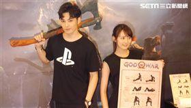 PS4 戰神 God of War 健身工廠 內子宮崎葵 小葵 打電玩示意圖