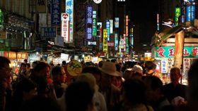 六合夜市/flickr-PROThomas Au (https://www.flickr.com/photos/mk_is_here/4726475168/in/photolist-8cB3gi-8cEqpb-cU217m-8cB76K-8cB7BM-6koSKS-8cEnGS-yZcM19-b4Ax1i-b3Bbai-oiFEf8-b4Ax2D-b3BbgB-b3Bb4n-4G56Nb-4G4Y3b-71vwze-71zBsA-b3BaXD-71zzJw-71vCoz-71vzSr-71vySB-4G51Vm-4G53rf-K8W4eW-K8W495-K8W43o-71zxTy-71vxWr-71zAYE-8cEp21-71zAf9-71vwWF-71zwUh-71zvyJ-71vB7F-b4Ax3T-71zyR3-b3BaSg-b4Ax4V-K8W4aC)