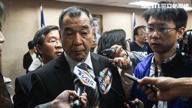 退輔會主委邱國正說明反年改相關議題。 (圖/記者林敬旻攝)
