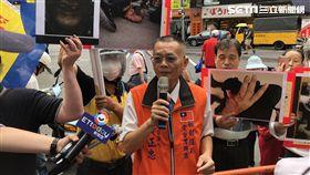 全國軍公教聯盟黨主席黃正忠因立法院流血衝突事件前往中正一分局應訊(翻攝畫面)