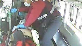 遊客到馬公遊玩,心肌梗塞昏迷成功搶救。