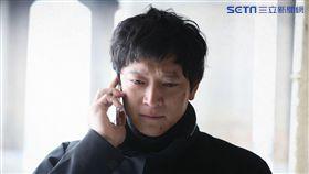姜棟元3月時曾為主演的電影《宅配男逃亡曲》來台宣傳。(圖/friDay影音提供)
