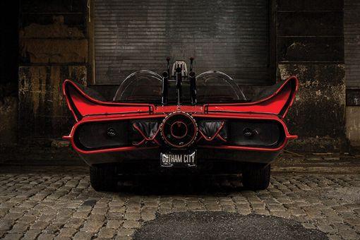 1966年電視影集版蝙蝠車Batmobile #5。(圖/翻攝Rmsothebys網站)